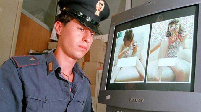 Pedopornografia on line, diffusione di video e immagini raccapriccianti. 51 indagati