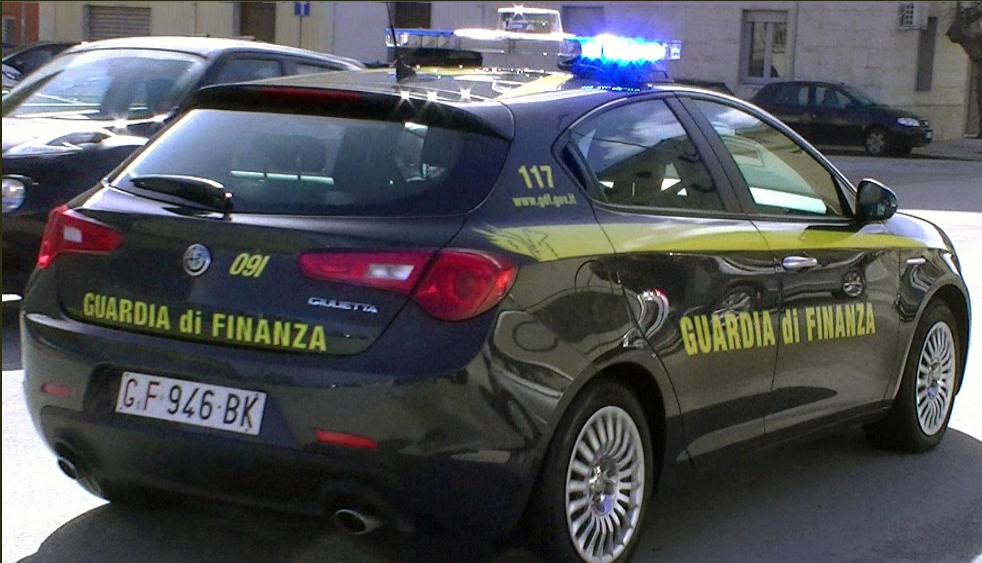 Migranti, Onlus nel mirino. 11 arresti per truffa