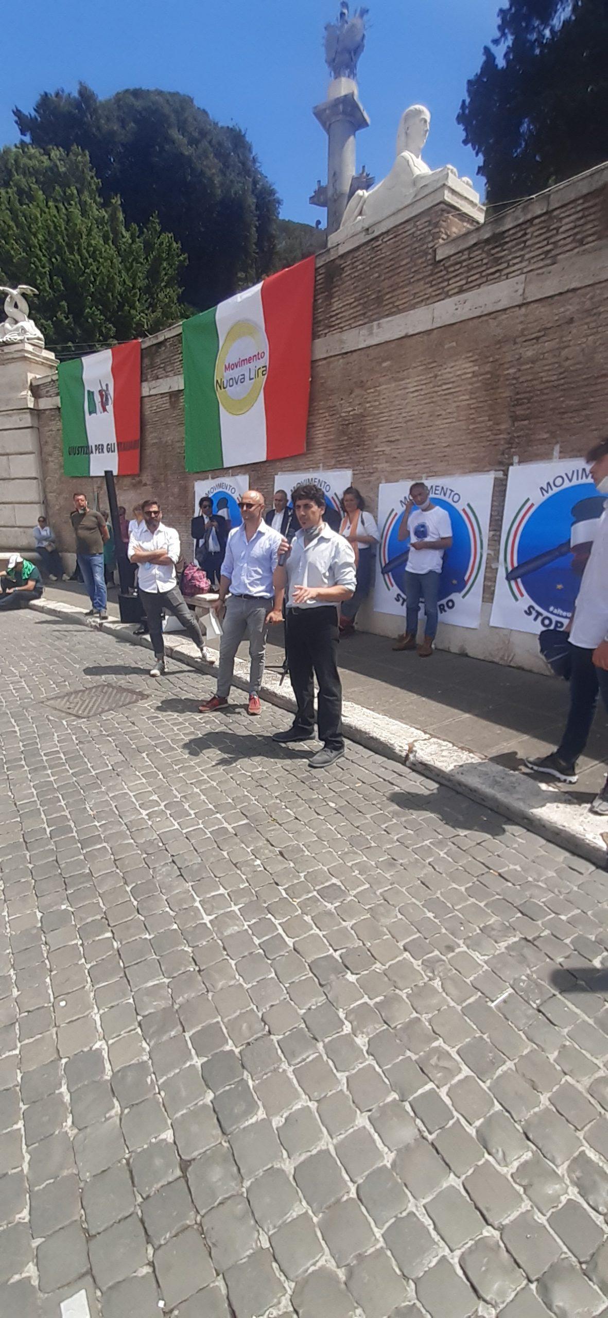 Andrea Paternò Castello ( Vox Italia) si fa sentire a Piazza del Popolo