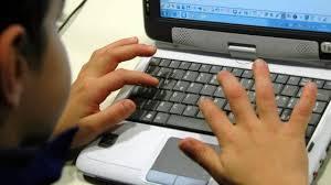 Bambino di 11 anni si suicida in diretta durante una lezione online su Zoom