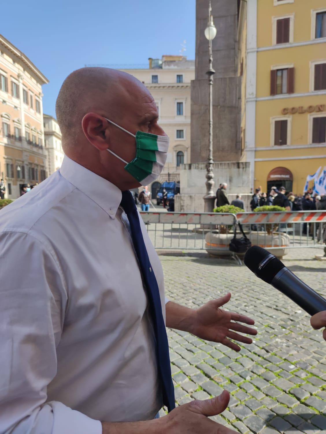 """Rifiuti, Rampelli: """"Raggi e Zingaretti… Nessuna soluzione, forse perchè c'è campagna elettorale?"""""""