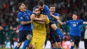 L'Italia dopo 53 anni è campione d'Europa. Battuti gli inglesi per 4-3 ai calci di rigore